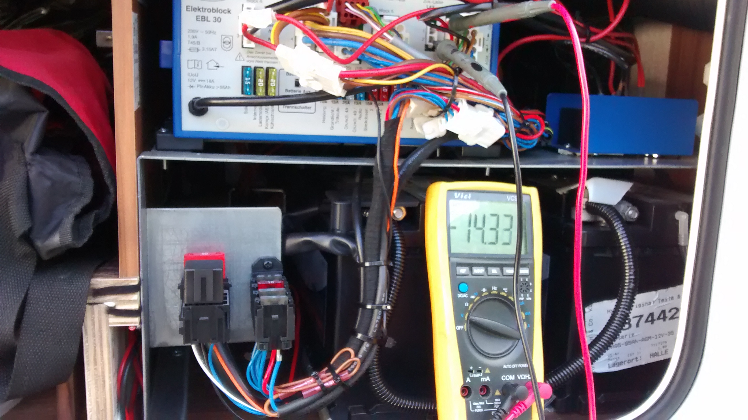 Magnificent Will All Motorhome Power Charger Units Cope With A Second Battery Wiring Cloud Favobieswglorg